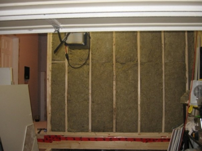 jpg Insulated walls and floor with Roxul at R28